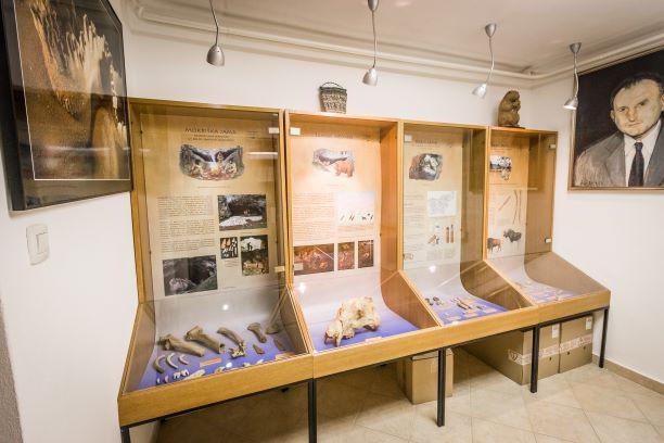 Železna jama in jamarski muzej