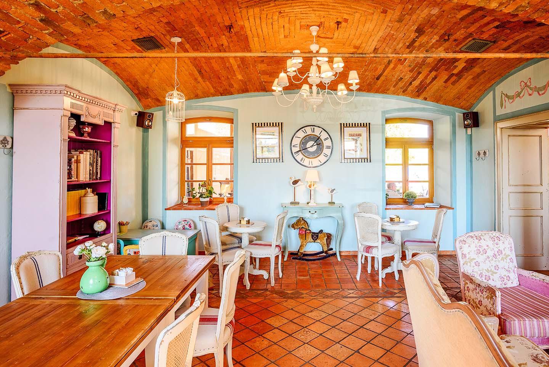 Kavarna Hiša na Travniku