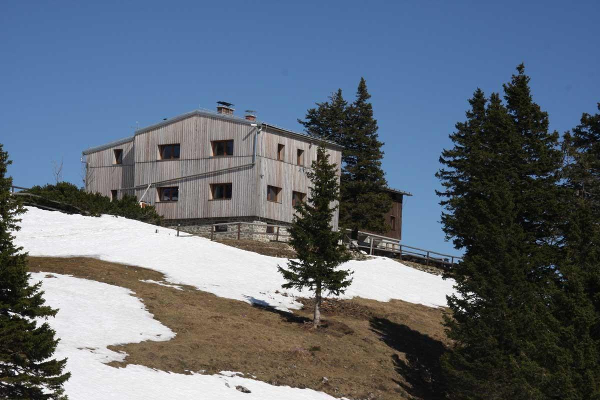 Domžalski dom na Mali planini